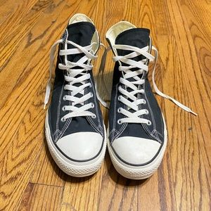 Converse Chuck Taylor high top sneakers 👟 Sz 12